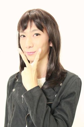 日本高中男生反串选美