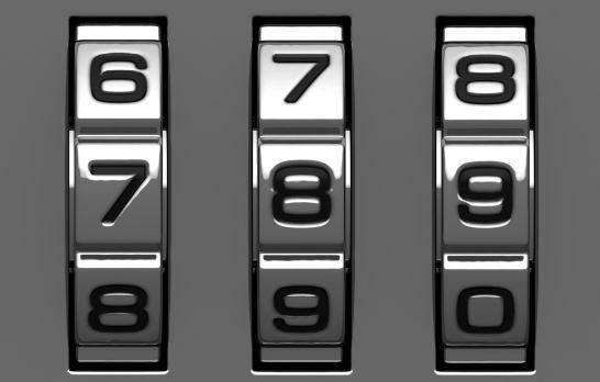 习惯上,开启这种锁时先把转盘顺时针转到第一个数字,然后反时针转到第