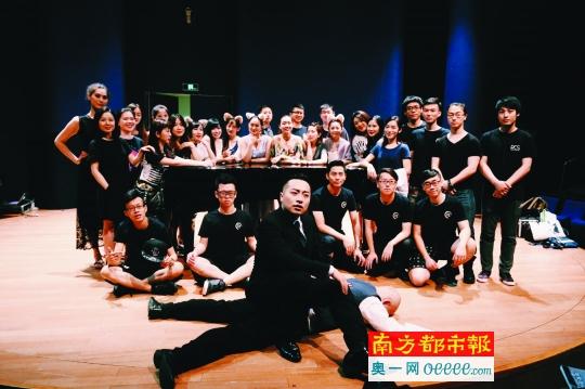 """两首""""神曲""""《感觉身体被掏空》和《张士超你到底把我家钥匙放在哪里了》,让上海彩虹室内合唱团彻底红了。受访者供图"""