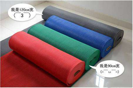 满铺地毯和硬质铺地材料的对比