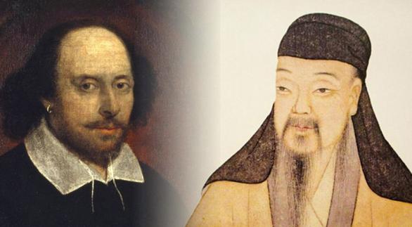 莎士比亚和汤显祖合体塑像在莎翁故居揭幕