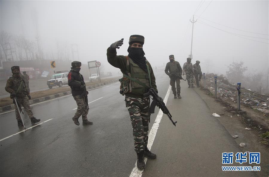 (国际)(2)印控克什米尔地区自杀式袭击?#24405;?#27515;亡人数升至40余人