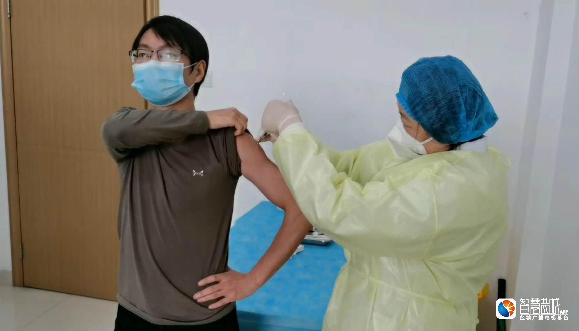 新冠疫苗志愿者:身体正常 抗议标题党断章取义报道