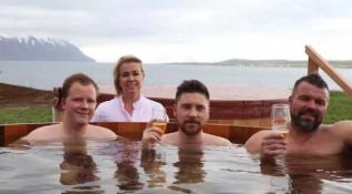 酷暑难耐,去冰岛泡个啤酒SPA可好?