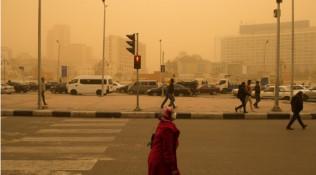 沙尘暴席卷开罗