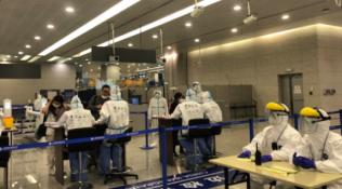 中纪报:局部疫情再起,入境人员隔离期有无必要延长?