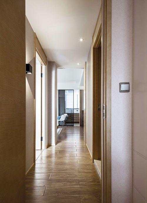 卫浴间墙面用木纹瓷砖来铺贴
