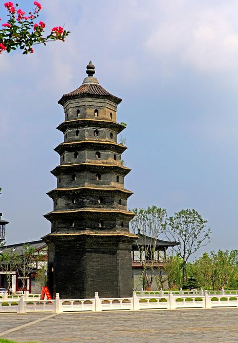 它是江苏第一古塔 它是东台现有最古老的建筑物 古塔海春轩 经历了