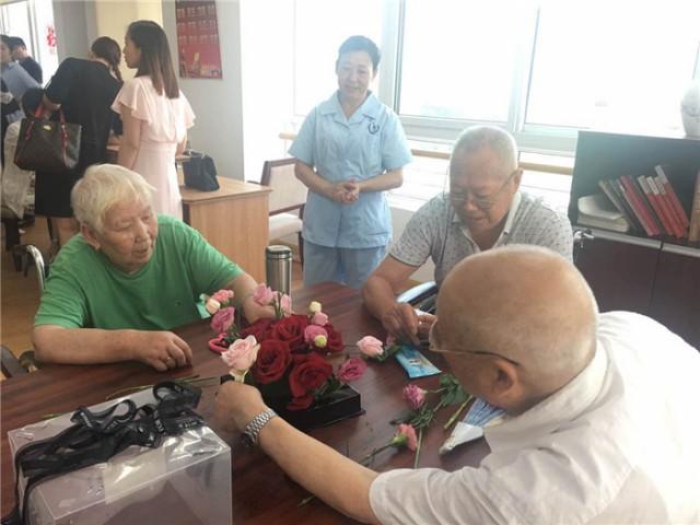 千鹤湾内的简单游览也为巾帼巧手们在准备决赛的同时放松了心情.