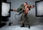 摄影师拍摄截肢军人 展示自信风貌