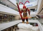 四川1.8万个气球扎8米高齐天大圣