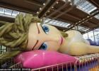 全球唯一巴蒂娃娃充气城堡亮相深圳动漫展