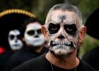 万圣节将至 各国民众参加僵尸游行