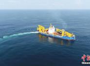 """亚洲巨型自航绞吸船""""天鲲号""""完成首次海试"""