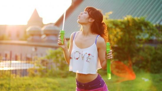 充满活力的青春 捕捉少女最自然的精彩