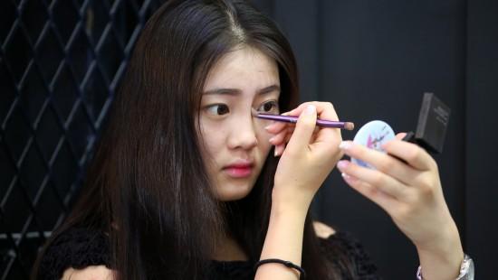 图片故事:大学生Showgirl在Chinajoy的一天