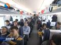 青盐高铁又快又稳  改善旅客出行体验